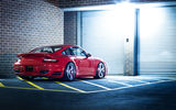 Обои для рабочего стола: Porsche, Turbo, Rims, Wheels, Glow, Red, 911, Tuning, Lights, Night, Garage