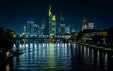 Обои для рабочего стола: Frankfurt, Germany, Buildings, Tree, Light, Bank, Skylilne, Bridge, River, Reflection, Night