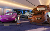 Картинки_для_телефона: Cars 2, спорт, Holley Shiftwell, sport, мультфильм, Mater, Walt Disney, Finn McMissile, World Grand Prix, Tokio drift, racing, Токийский дрифт, Уолт Дисней, animated film, Pixar, Тачки 2, agent, spy