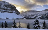 Обои для рабочего стола: trees, clouds, snow, Bow Lake, mountains, Alberta, light