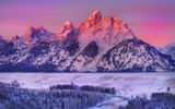 Обои: alpenglow on grand teton - snake river overlook, wyoming, горы, grand teton national park, зима, снег, национальный парк