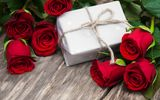 Обои: красные розы, romantic, roses, love, gift, red, flowers, бутоны, valentine`s day, розы, heart