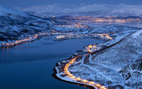 Обои: City, город, горы, lights, Тромсё, Норвегия, Tromsø, snow, winter, снег, дорога, фьорд, лес, mountains, forest, огни, зима, Norway