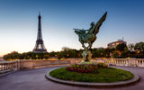 Обои: France Reborn Statue, Bir-Hakeim Bridge, Париж, Paris, France, Мост Бир-Хакейм, Эйфелева башня, Eiffel Tower, статуя, Франция, скульптура