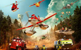 Обои: Planes:Fire and Rescue, heroes fly in, Самолеты:Огонь и вода, When others fly out