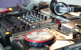Обои: disk on key, push, black, bpm, 400, lights, trance, usb, cd, black, pioneer, Buttons, dj, mixer, music, CDJ400, wedding, Headphones, EDM