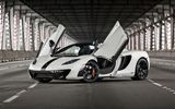 Обои для рабочего стола: McLaren, Supercar, British, Bridge, Front, MP4-12C, White