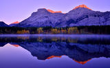 Обои: Canadian Rockies, озеро, Morning, Lake, горы, Sunrise, Kananaskis Country, отражение, Mountains, лес