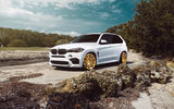 Обои: BMW, X5M, Car, Front, SUV, White, VELOS