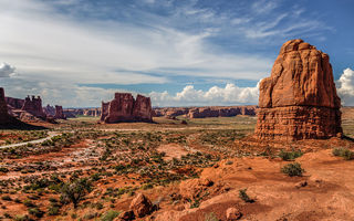 Обои rock, canyon, cloud, utah, arches national park, usa