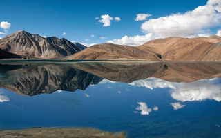 Картинка Jammu and Kashmir, горы, Pangong Lake, Тибет, озеро, панорамма, IN, India, Tibet