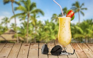 Обои море, пальмы, vacation, пляж, palms, коктейль, summer, cocktail, paradise, drink, tropical, beach, sea