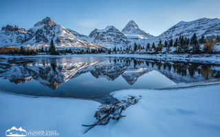 Обои British Columbia, Rockies, горы, Assiniboine, лес, Callum Snape, Banff, снег, Canadian Rockies, Mount, National Provincial Park, Mountain, зима, Canada, Alberta, озеро