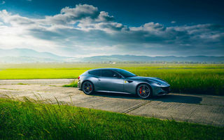 Обои Ferrari, Clouds, Italian, Supercar, Nature, Sun, Green, Sky, FF, Grass, Front