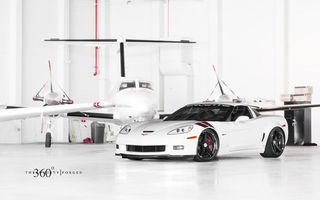 Обои Chevrolet, корвет, ангар, 360 three sixty forged, передняя часть, Corvette, white, шевроле, Z06