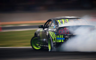 Обои smoke, vaughn gittin jr, monster energy, formula drift, Ford, rtr, mustang, team, motion