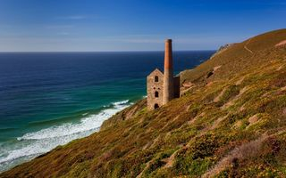 Обои море, корнуолл, англия, wheal coates, cornwall, строение, celtic sea, кельтское море, towanroath shaft engine house, england, побережье, porthtowan, порттован