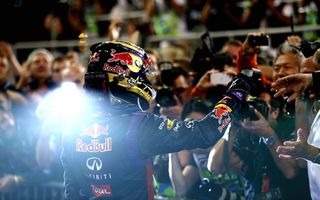 Картинка Чемпион, Winner, Шлем, Фанаты, Champion, Formula 1, Red Bull, Sebastian, Racing, One, Vettel, First