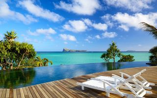Обои пальмы, tropical, paradise, sunshine, тропики, indian ocean, пляж, deck, vacation, relax, море, Mauritius, chairs, beach, отдых