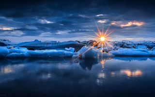 Обои rays, sun, clouds, sunset, лучи, природа, снег, snow, sea, nature, water, закат, небо, ice, зима, winter, вода, лед, облака, sky, море, солнце