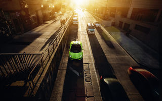 Обои Downtown, Roadster, Supercar, LP700-4, Chicago, Sunset, City, Green, Aventador, Lamborghini