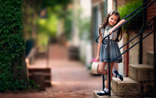 Обои улыбка, Sweet Afternoon, ступеньки, улица, девочка, child photography