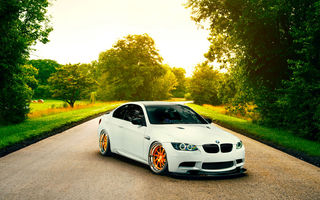 Обои Low, White, Road, Wheels, Orange, Stancenation, E92, BMW