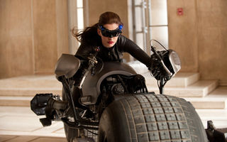 Обои girl, Anne Hathaway, future, catwoman, machine
