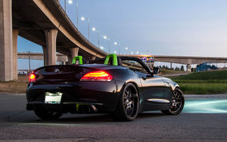 Обои BMW, z4, light, tuning, sky, black, bright