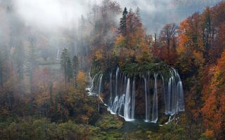 Картинка forest, mist, landscape, Plitvice National Park, water, lake, river, autumn, Croatia, Plitvice Lakes National Park, nature, trees, waterfall