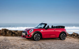 Обои mini,красный,f57,cooper,2015г,s,cabrio,john,uk-spec,package,works