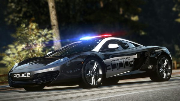 Обои Need for speed, тачка, Hot pursuit, коп, McLaren, MP4-12C, полиция