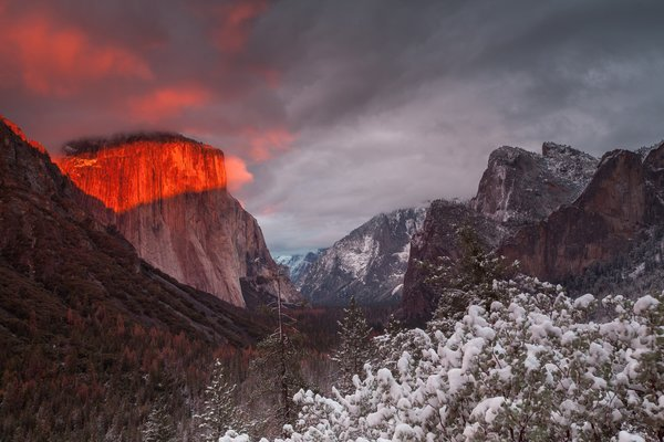 Обои Yosemite National Park, El Capitan, Illumination