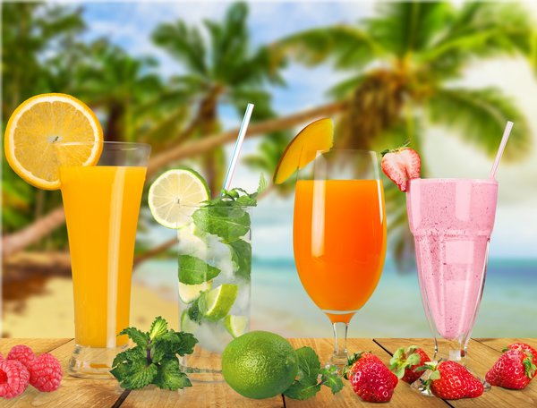 Обои море, пальмы, drink, cocktail, palms, tropical, sea, summer, beach, коктейль, пляж, vacation, paradise