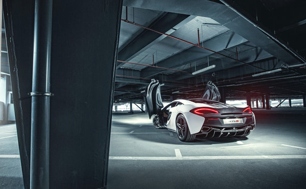 Обои McLaren, Supercar, Doors, 2015, Rear, White, Parking, 570S