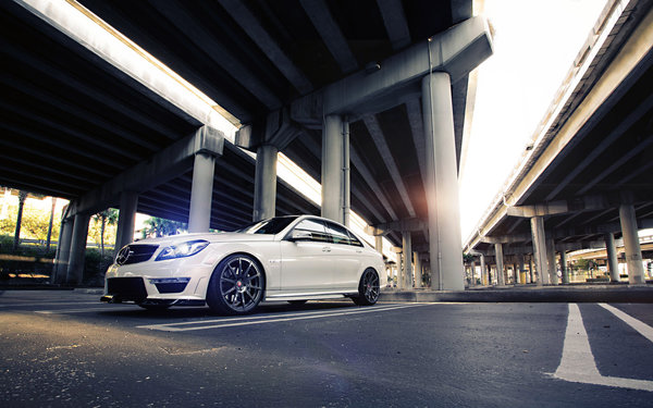 Обои Mercedes-Benz, Tuning, Sedan, Street, Road, Power, Bridge, White, C63, Wheels, AMG, Mercedes