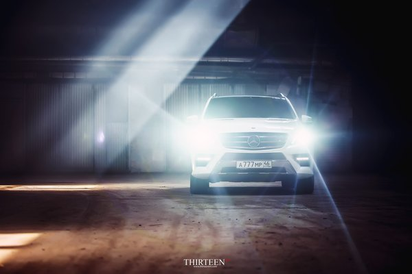 Обои оптика, машина, auto, photography, ML350, photographer, Thirteen, авто, фотограф, Mercedes-Benz, свет, AMG