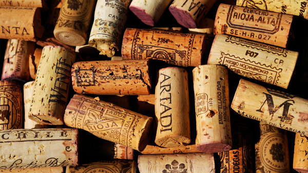 Обои cork, cork from bottles, colored pattern