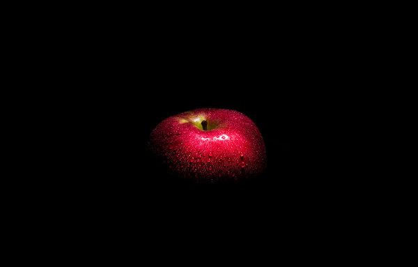 Обои Red apple, Dark side