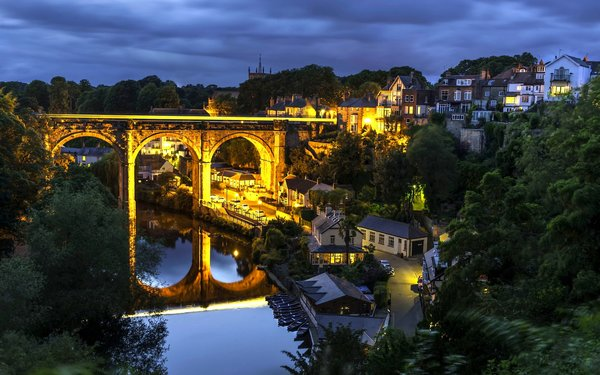 Обои мост, Knaresborough, здания, North Yorkshire, England, отражение, ночной город, Нерсборо, Северный Йоркшир, Англия, дома, Knaresborough Viaduct, River Nidd, река, виадук
