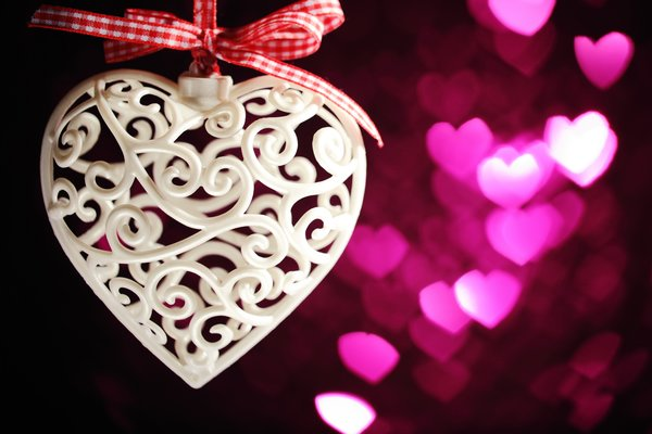 Обои romantic, love, hearts, valentine's day, bokeh, gift, сердцечки