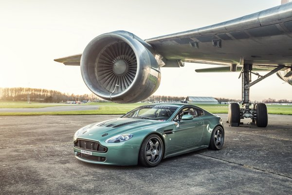 Обои Aston martin, turbine, Vantage, airplane