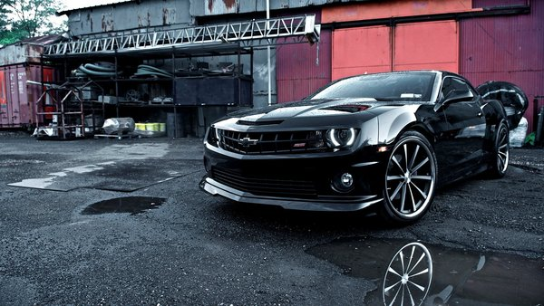 Обои Красивая, Шевролет, Tuning, Лужи, Машина, Обоя, Vossen, Camaro, Beautiful, Автомобиль, Car, Automobile, Воссен, Black, Тюнинг, Chevrolet, Камаро