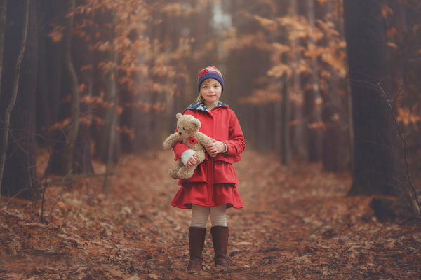 девочка с мальчиком в лесу фильм можно