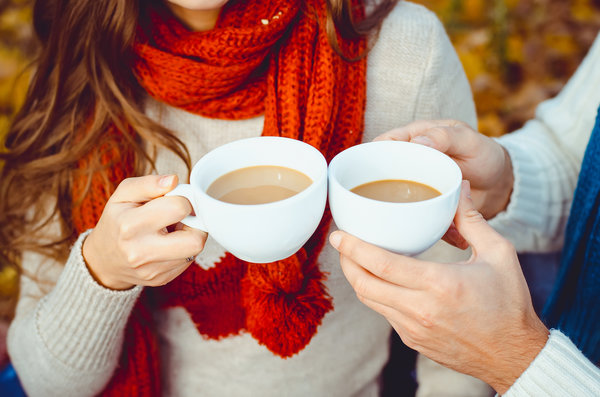 Обои autumn, чашка, hot, coffee, couple, кофе, happy, осень