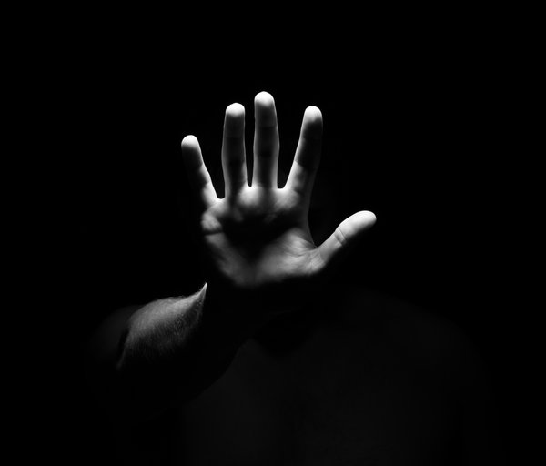 Обои shadows, hand, fingers