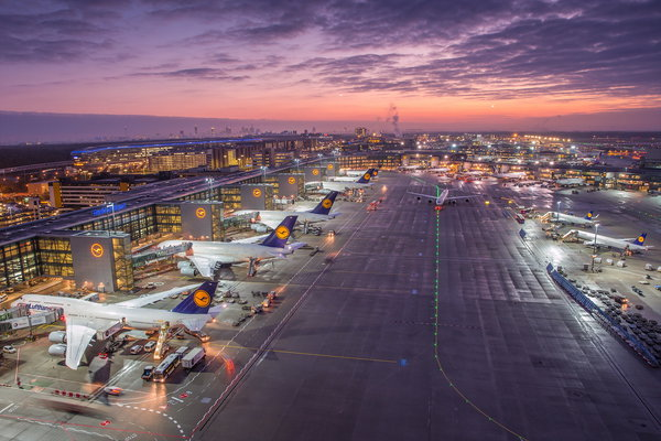 Обои Sunrise, Frankfurt Airport, Germany