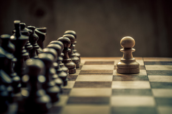 Обои chess, tactics, alone against the world