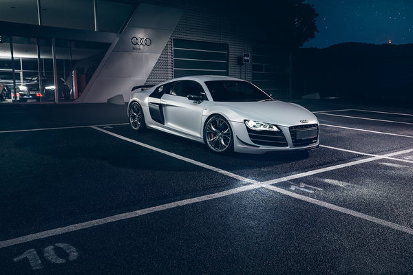 Обои Audi, R8, Front, GT, Automotive, Dark, Night, Supercar, White