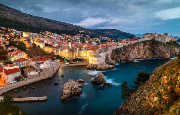 Обои David Curry, Dubrovnik, дома, вечер, Дубровник, горы, Сroatia, Хорватия, море, город
